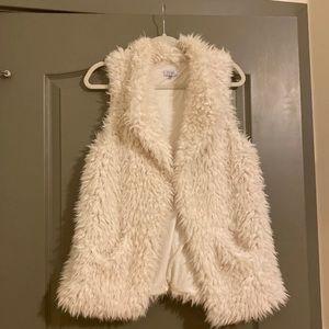 Tobi Faux fur white vest
